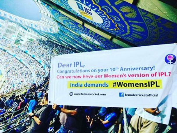 female cricket supporting women's IPL