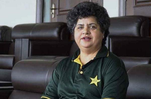 Humaira Farrukh - female umpire from Pakistan