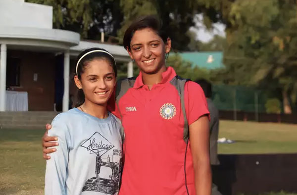 Riddhi Ruparel with her idol Harmanpreet Kaur Credit: Riddhi Ruparel ©Reuters