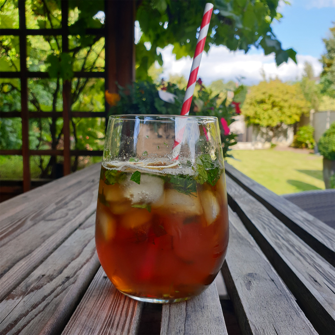 Cocktail Hour: How To Make The Perfect Pimms - Female Original