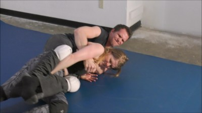 fwcextramonroevsjohnnyfwcextrarealmixedwrestling (6)