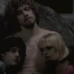 César Domboy, Julien Doré et Julie Brémont dans le court-métrage Les Astres noirs réalisé par Yann Gonzalez sorti en 2009
