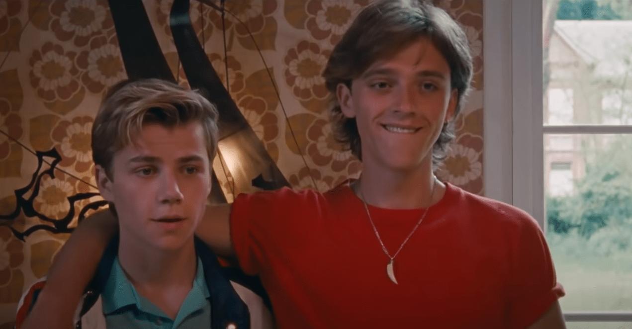 Alexis aime David, mais celui-ci l'aime-t-il de la même façon ? Regardez  Été 85 un film romantique de François Ozon - Femboy