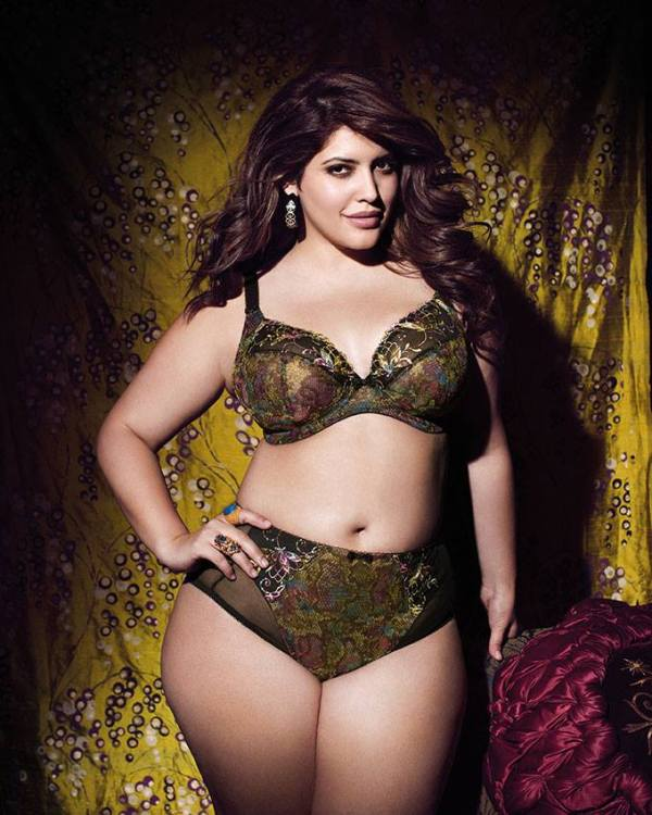 fciwomenswrestling.com article, denisebidot.com photo