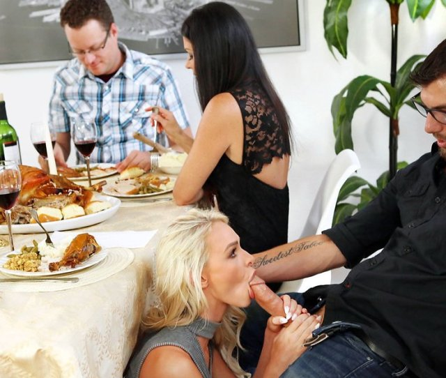 Thanksgiving Sneaky Threesome With His Girlfriend And Stepmom Xxx Femefun