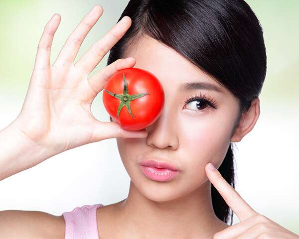 How To Use Tomato For Your Face   Femina.in