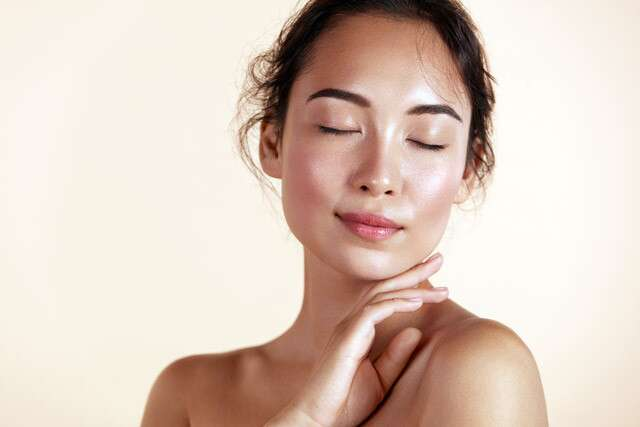 Get Glowing Skin With Honey
