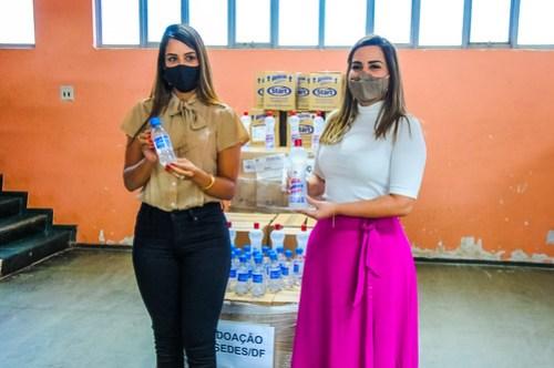 Doação de álcool e máscaras vai para unidades da Sedes