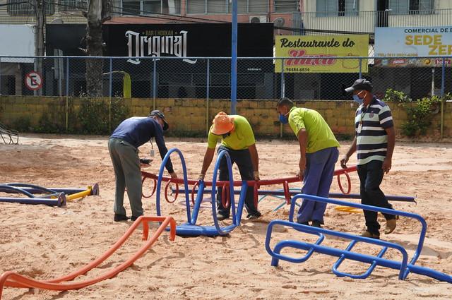 Revitalização do parquinho na Praça do DI