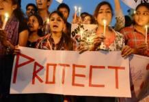 सुरक्षा की बेड़ियों में जकड़ी आज़ाद भारत की लड़कियां | Feminism In India
