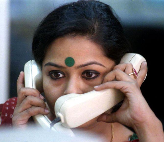 औरतों की मानसिक स्वतंत्रता से होगा सशक्तिकरण   Feminism In India