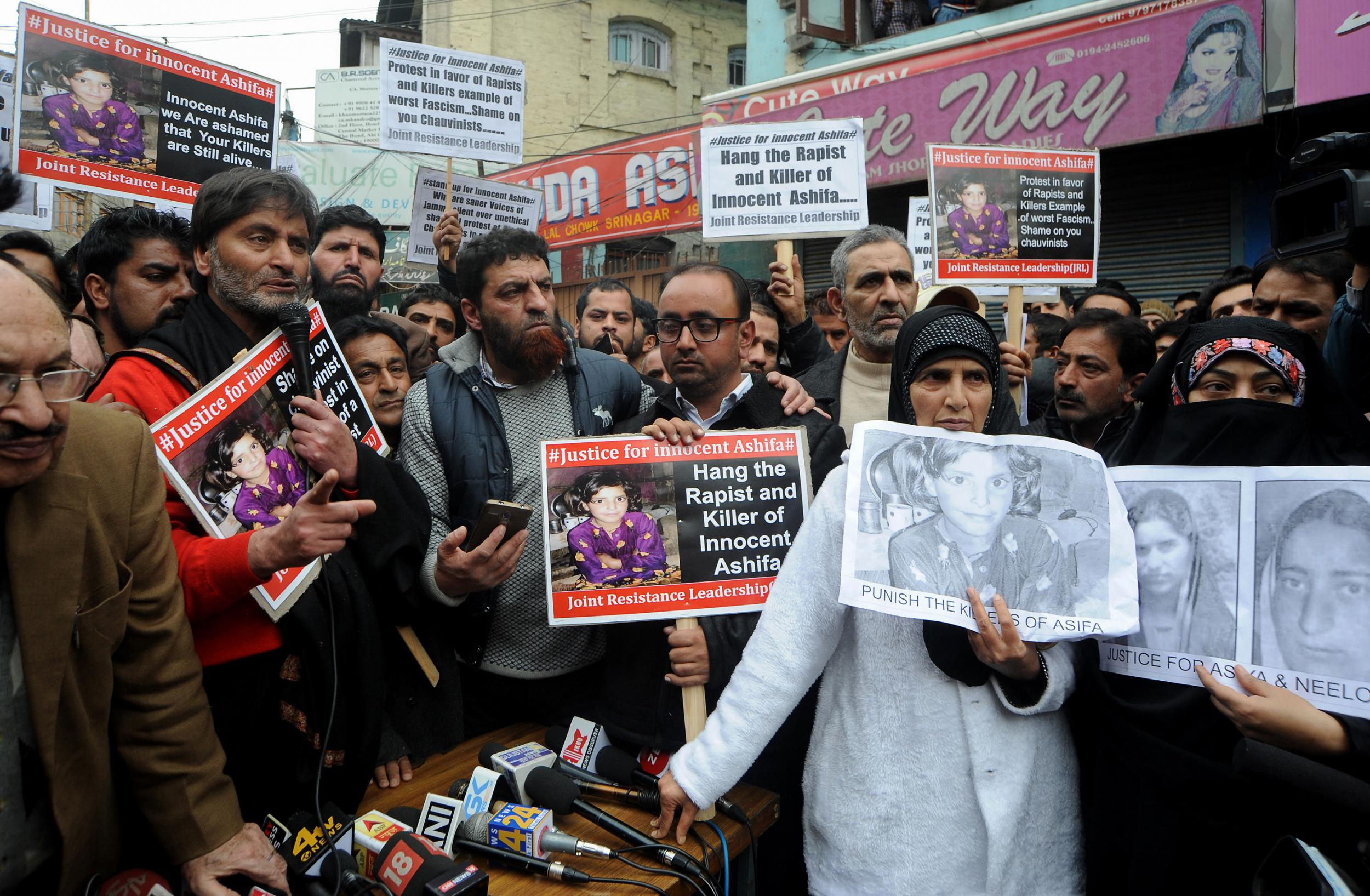 No, We Can't Stop Communalizing Asifa Bano's Rape. Here's Why.