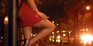 वेश्यावृत्ति को गाली देना ही समाज का शुद्धिकरण है? | Feminism In India