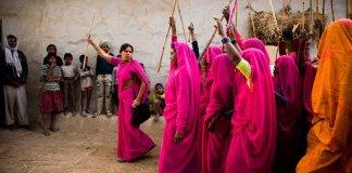 gulabi gang members with lathis