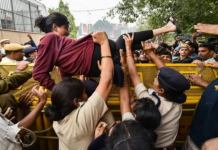 What Is So Feminist About The JNU Protests? #FeesMustFall