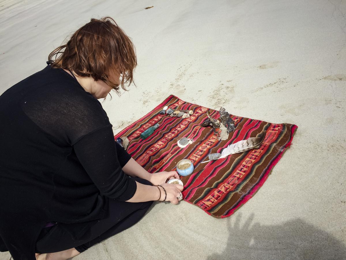 Caroline prepares a shamanic ritual.