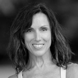 Lauren McClerkin is a PMA® Certified Pilates instructor