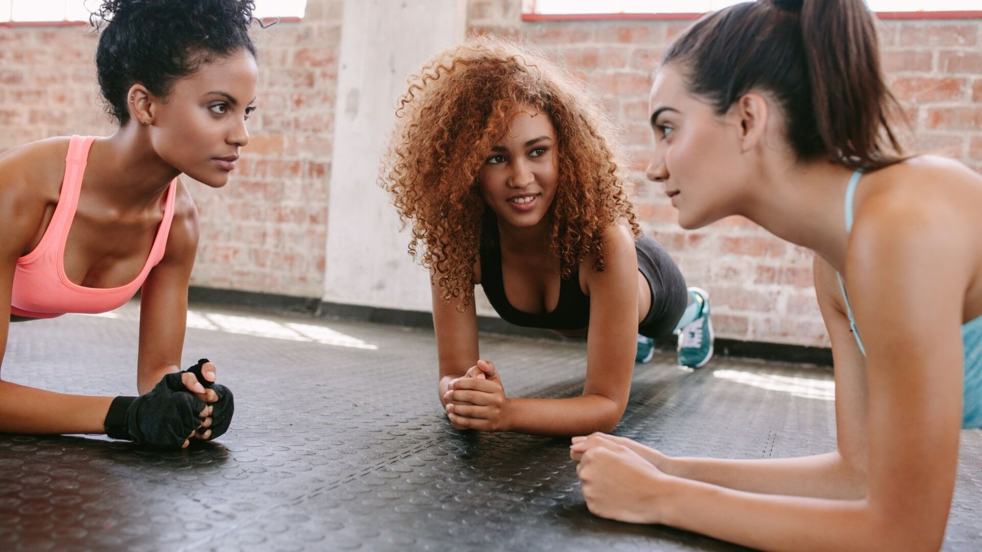 8 Essential Fitness Tips For Busy Women #womenshealth #fatlosstips #weightlosstips #weightloss #healthy