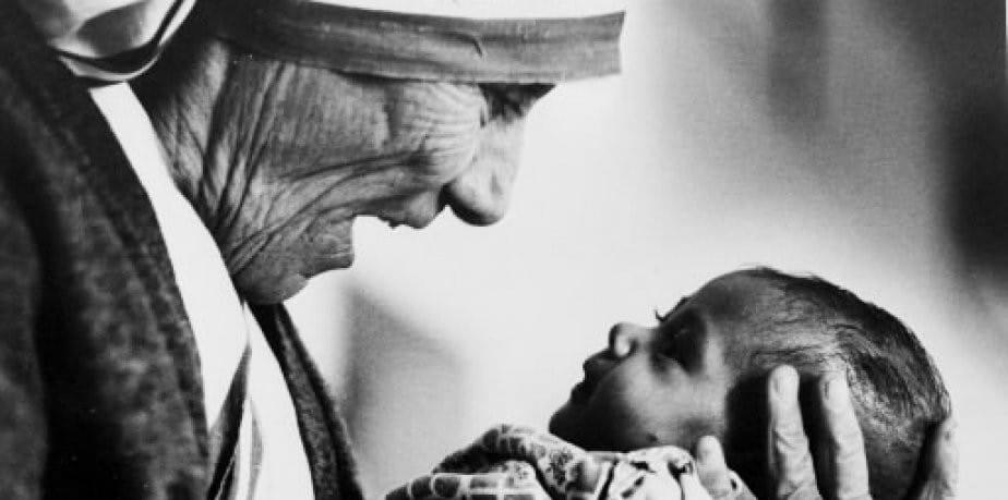 Agnès Gonxha Bojaxhiu «Mère Teresa», une rivière dans le désert…
