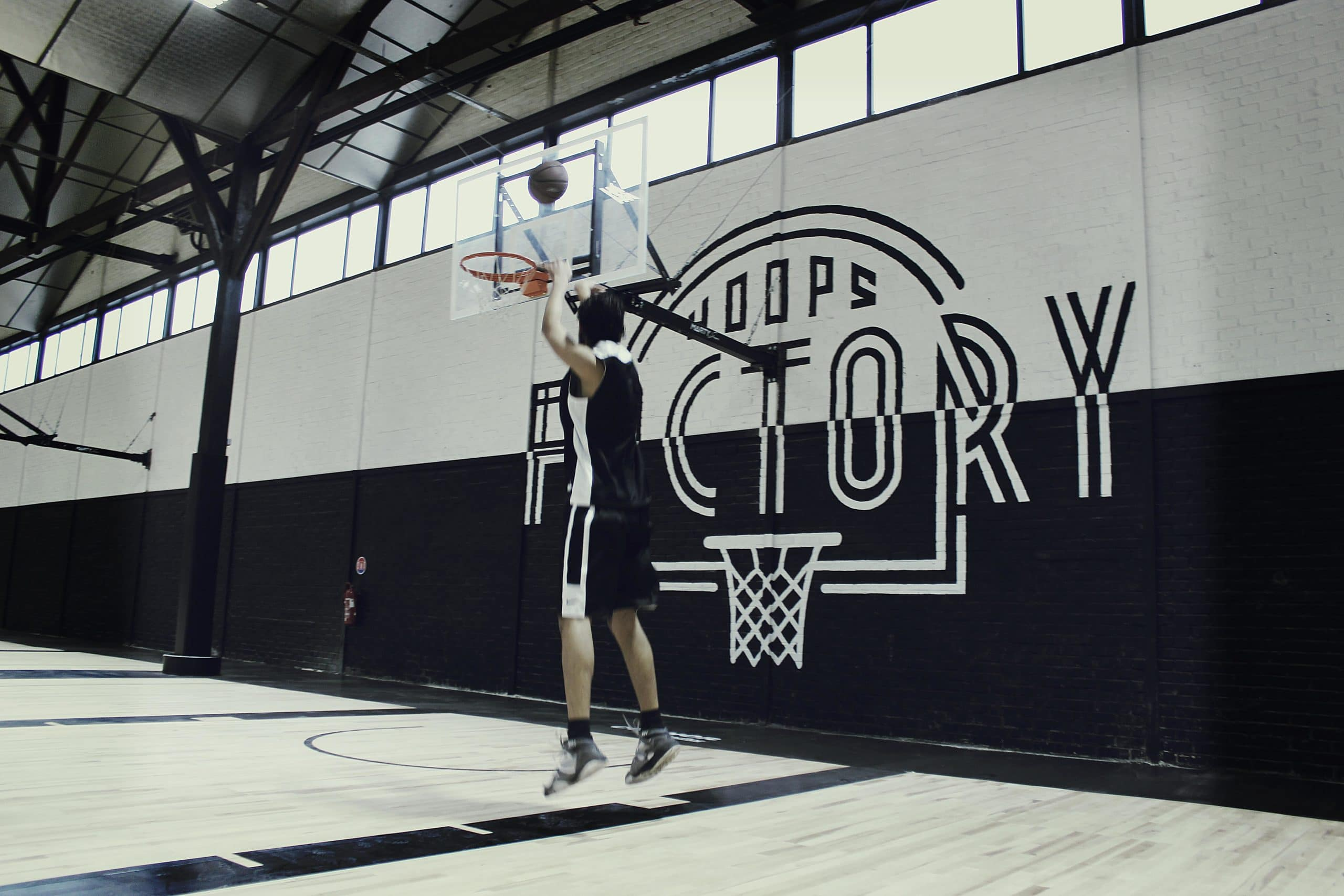 HOOPS FACTORY: Premier complexe indoor de basketball en France