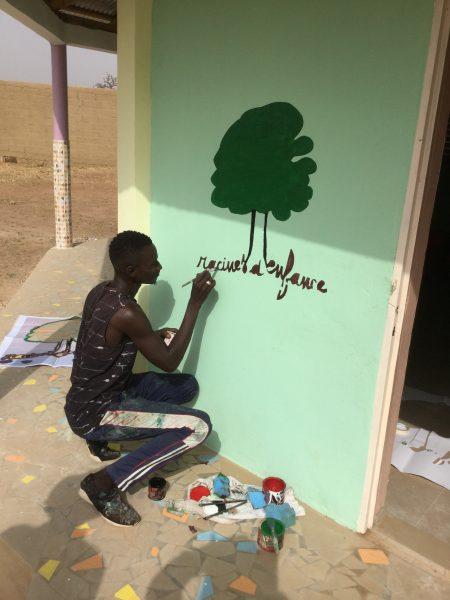 L'association écrit son nom sur la 8ème école avant l'inauguration le 7 janvier dernier