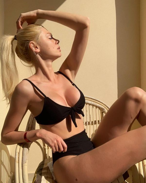 Yulia femme russe qui veulent venir france