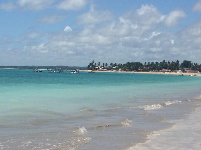 praia em frente ao restaurante