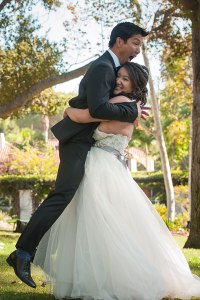 bride-lifting-groom-emmajosh