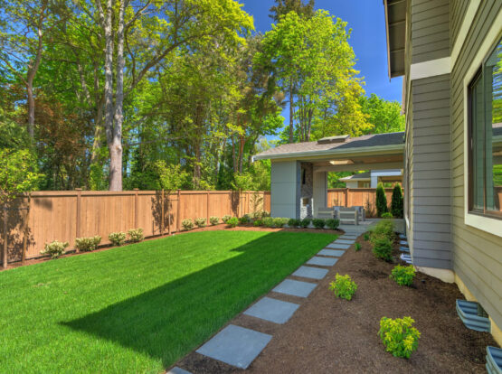 residential fence company hingham