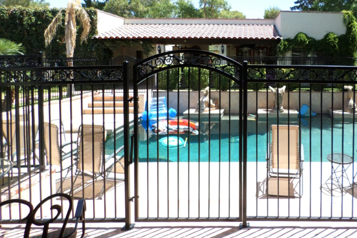 Scottsdale fencing pool