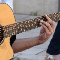 Chanter, jouer d'un instrument, c'est bon pour les enfants et pour les adultes.