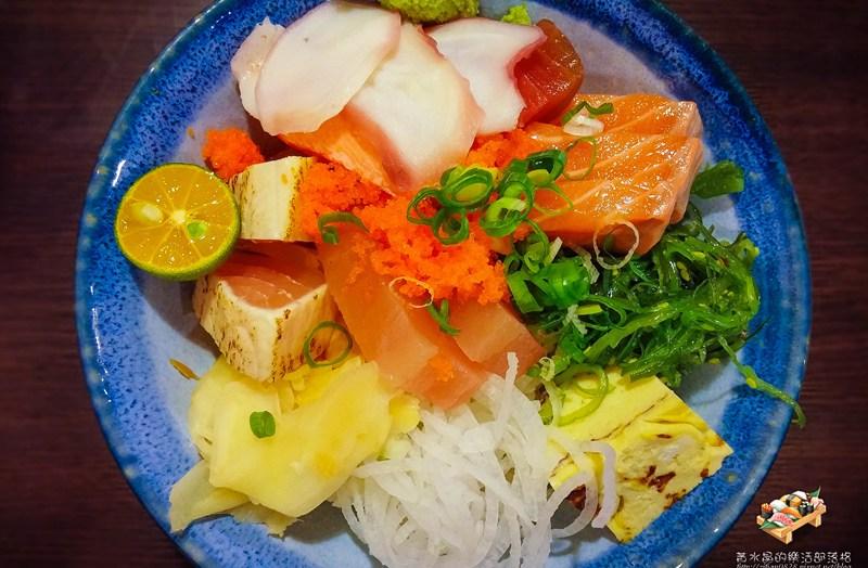 八彩日式料理【桃園美食】|日式料理丼飯專賣店;整間店就是大海的冰箱 @黃水晶的瘋台灣味