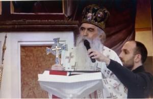 Liturgiju i opijelo pokopa Amfilohija služi patrijarh srpski Irinej / Foto: Preslik