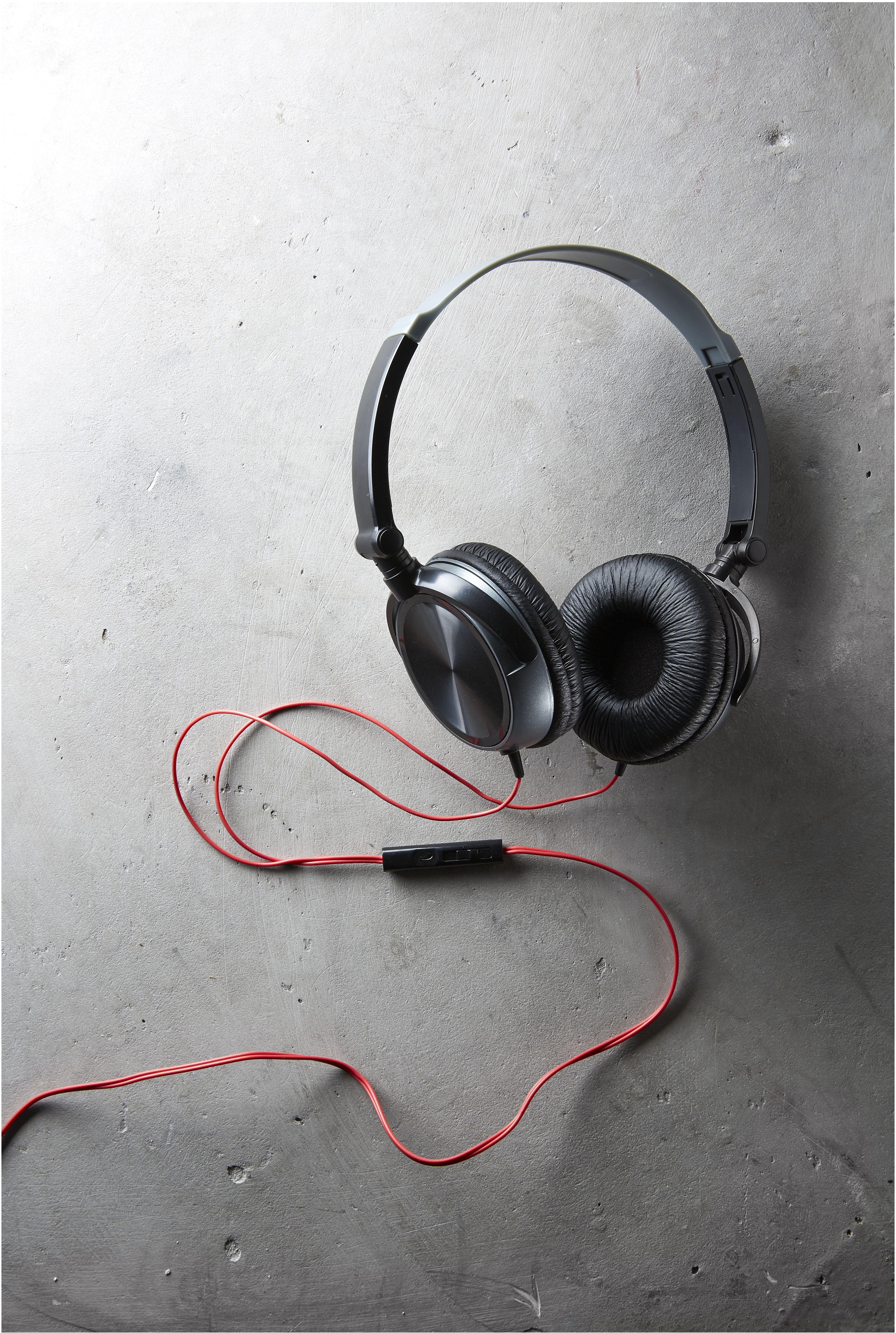 Kmart Foldable Headphones with Inline Controls, RRP$10.00