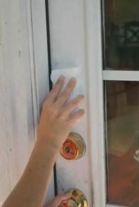 Cleaning the door