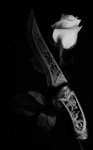 nož i