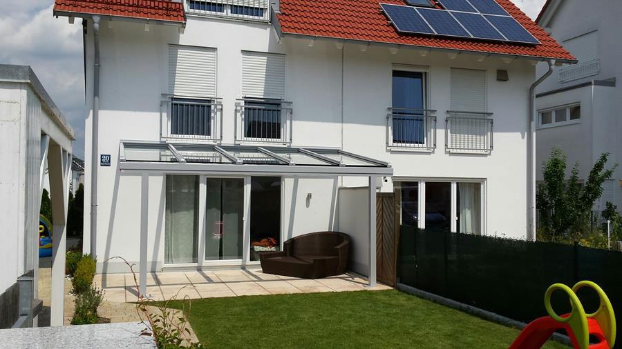 Terrassenueberdachung-Alu-Glas-Sicherheitslas-Terrassenueberdachung-Terrassendach-RAL9007