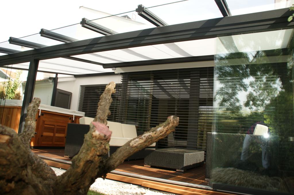 Terrassenueberdachung-Alu-Glas-Sicherheitslas-Terrassenueberdachung-Terrassendach-RAL7016