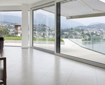 Fenster-Balkontür-Hebeschiebetür-Ganzglasecke-Fassade
