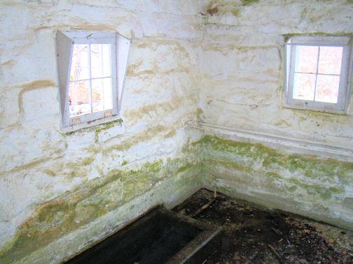 inside-spring-house