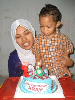 Blow the candle with Bunda