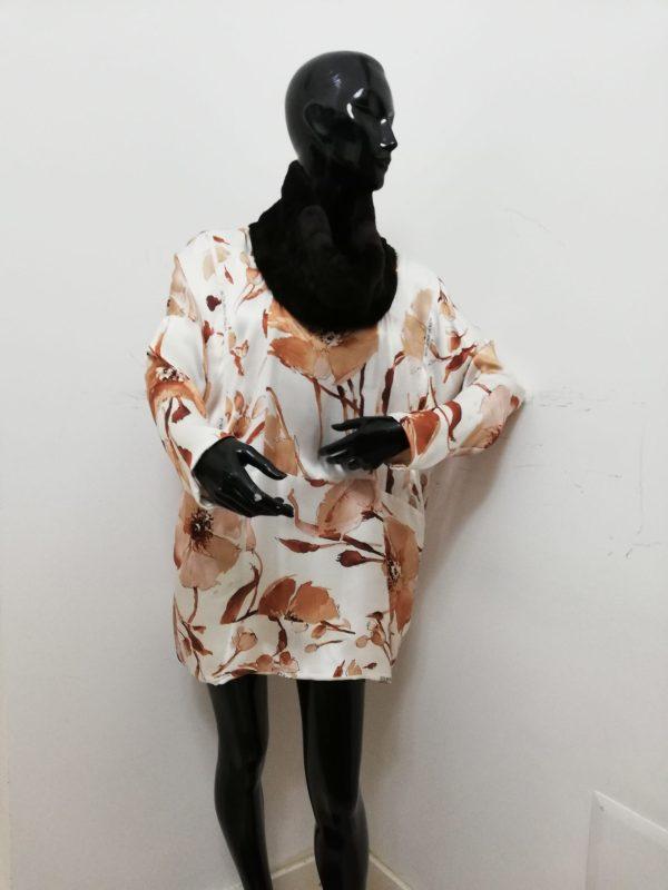 Blusa Patermo Donna in pura Seta Beige a fantasia floreale e collo in Montone rovesciato Marrone, vestito qualità artigianale