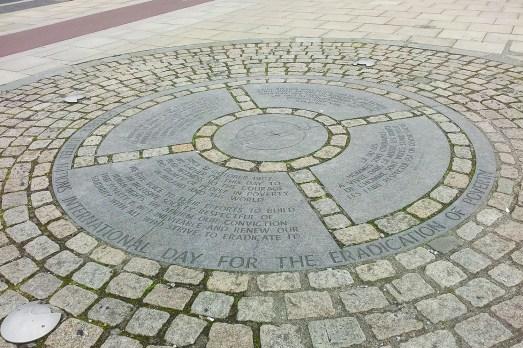 World Poverty Stone, Foto @ Anca Stan