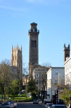 Trinity College și turnul Park Church