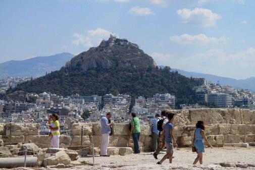 Dealul Lycabettus văzut de pe Acopolă