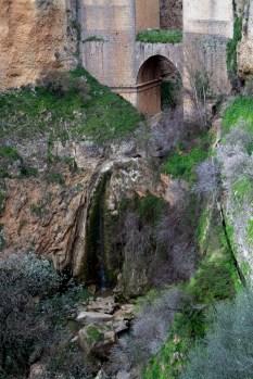 Cascada de sub Sub Puente Nuevo
