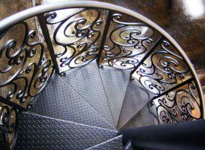 escalier en colimaçon en métal