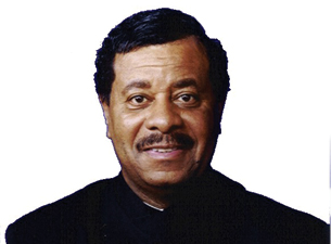 This picture reflects Gino Washington in later years.  He moved from Gino Washington Rock Star to Gino Washington TV Host.