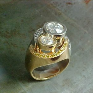 mother daughter hug dinner ring