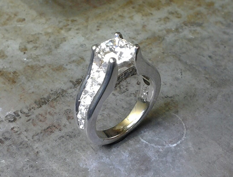 19k diamond engagement ring